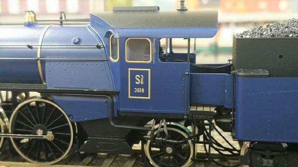 Roco 61471 バイエルン邦有鉄道175周年記念 SL S 3/6 +サロンカーセット